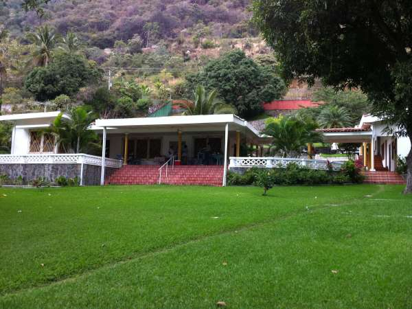 Quinta San Bartolome Vacation Houses And Apartments To Rentin Coatepeque El Salvador La