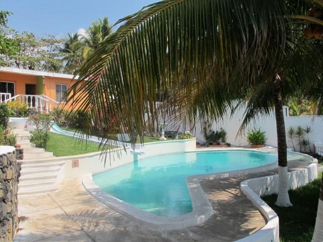The rock renta de casas villas apartamentos y ranchos en el tunco el salvador la vida es - Casas para alquilar en la playa ...